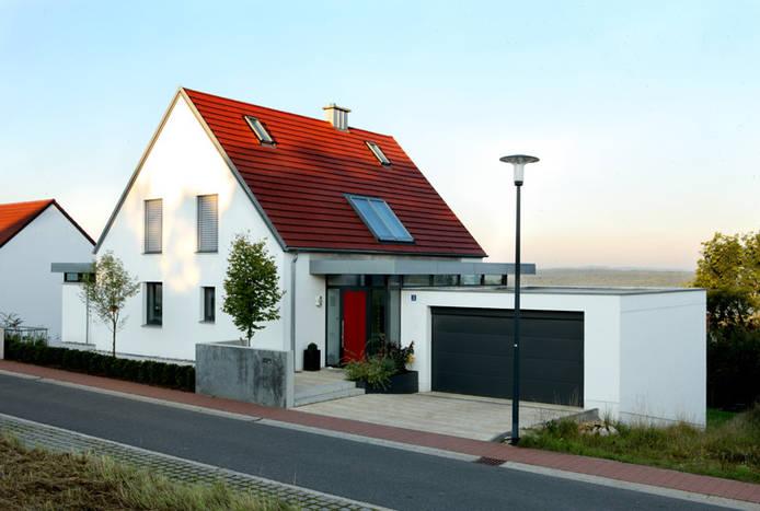 Einfamilienhaus neubau mit doppelgarage  Oskar Lottner - Innenarchitektur: Neubau